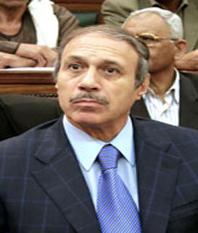 اللواء حبيب العادلي وزير الداخلية وكانت معلومات قد وردت الى اللواء الراحل