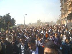 ما يقرب من 50 ألف قبطي من نجع حمادي وفرشوط وبهجورة جاءوا للتضامن وتشيع جثمان الشهداء
