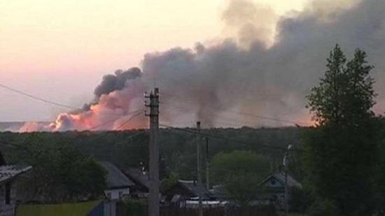 حريق وانفجارات في موقع عسكري سابق بروسيا