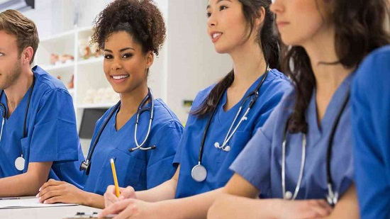 لماذا رفضت قوانين غينس فوز الممرضة