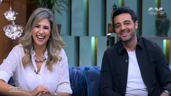 الأقباط متحدون عمرو محمود ياسين لم ينجح في السينما وتزوج مبكرا من إعلامية شهيرة