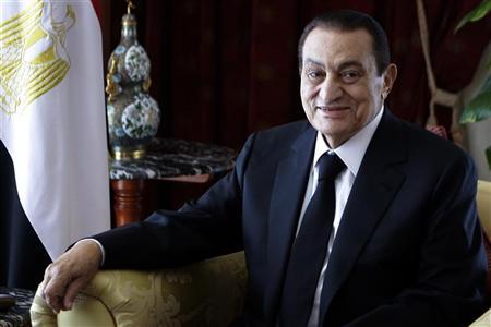 الرئيس المصري حسني مبارك خلال اجتماع في شرم الشيخ